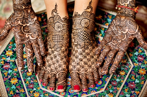 Big Flowers Mehandi Designs for Brides
