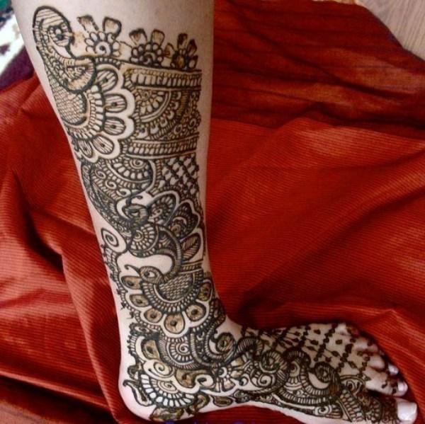 Cool Leg Bridal Mehndi Design