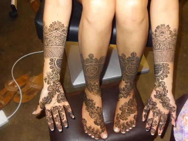 Elaborate Mehandi Designs For The Weddings