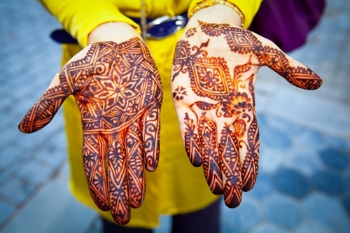 Few tips for making the mehndi last longer