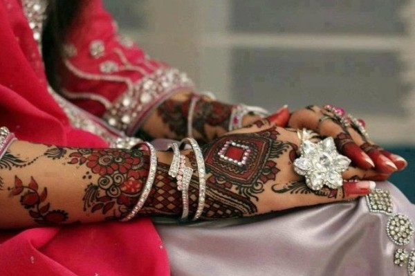 Maroon Mehandi for Wedding Outfits