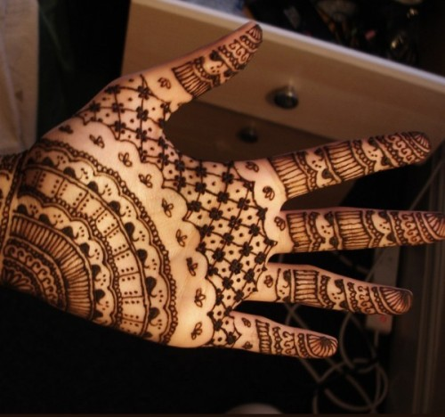 Simple Islamic Mehandi Pattern for Hands