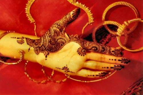 Simple Mehandi Designs for Brides