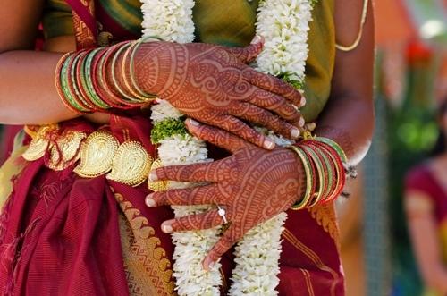 Simple Mehndi Design for Wedding Functions