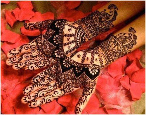 Wrist Length Wedding Mehandi Designs