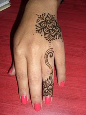 simple-mehndi-designs-14