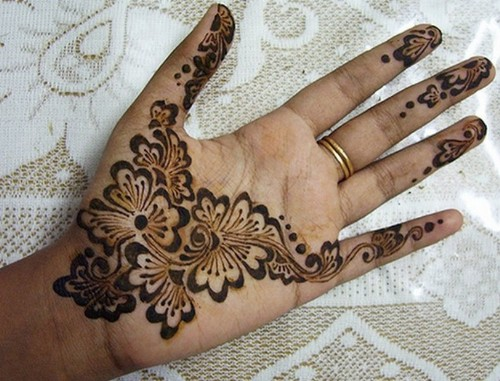 simple-mehndi-designs-17