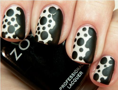 polka-dot-nail2
