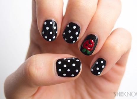 polka-dot-nail4