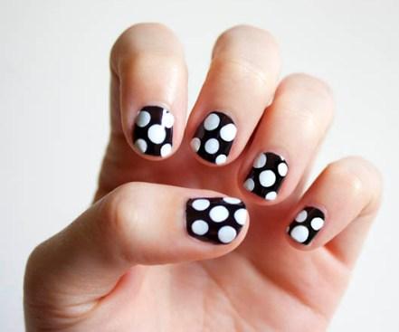 polka-dot-nail6