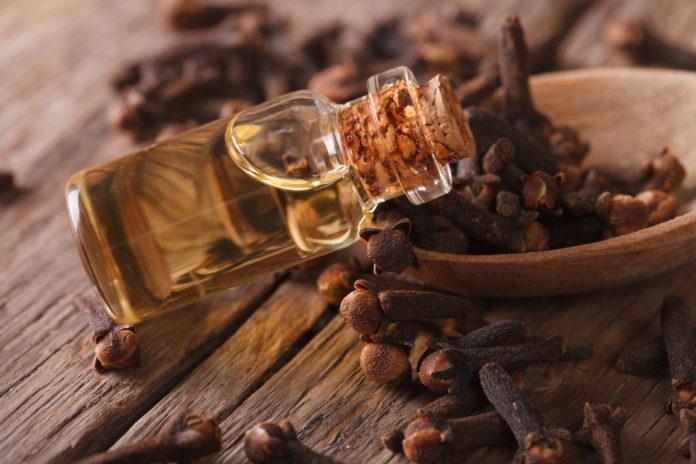 clove oil for skin