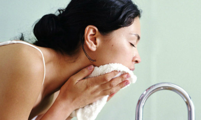 how to remove pimple naturally and permanently