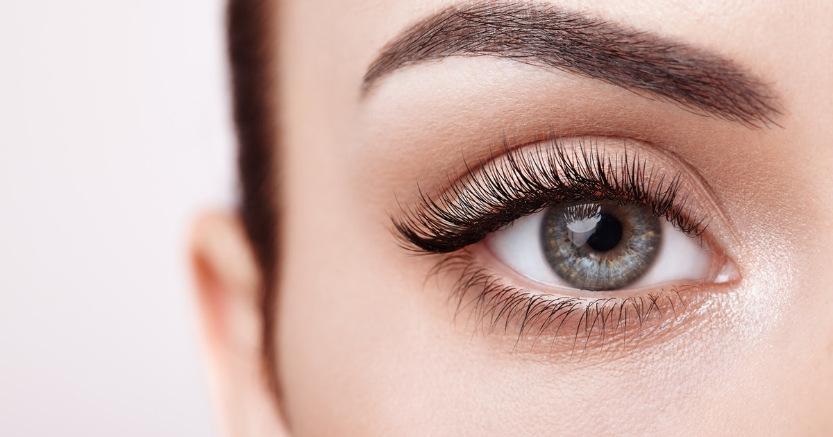 How To Grow Eyelashes- Grow Your Eyelashes Fast