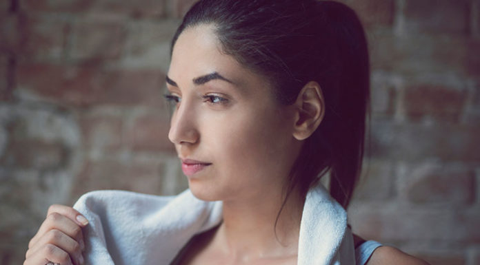 how to prevent post workout acne, gym skincare routine