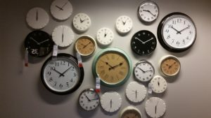 different types of wall clock