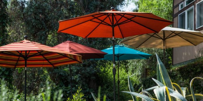 How to Choose the Best Umbrella for Your Patio