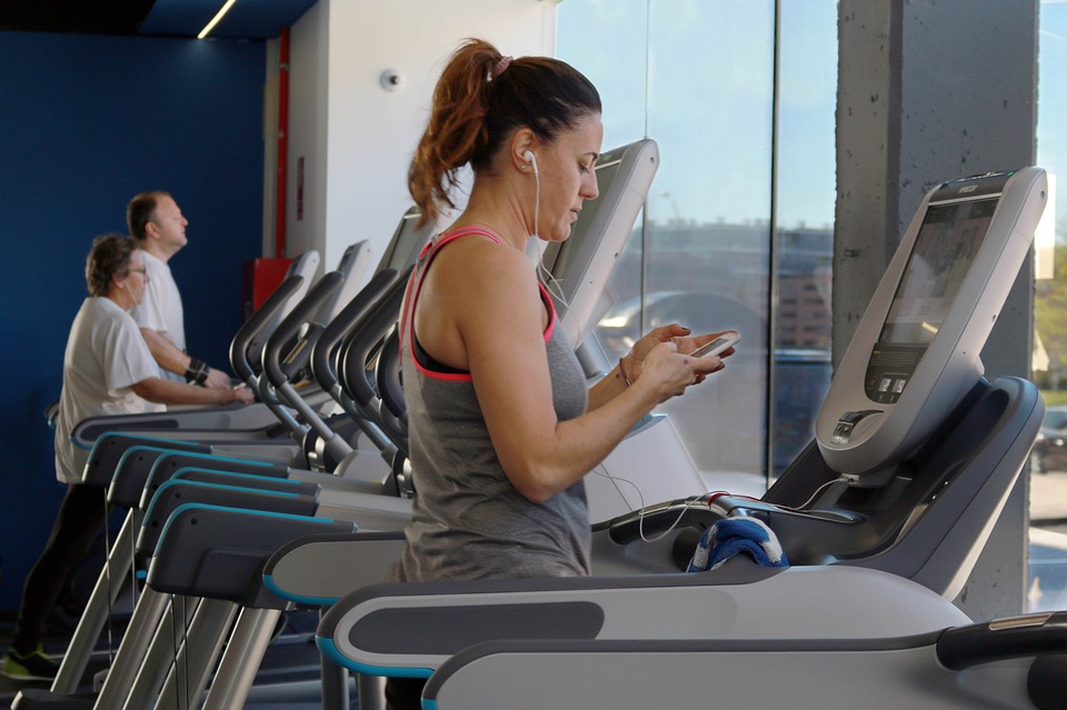 women following fasted cardio routine for fat loss