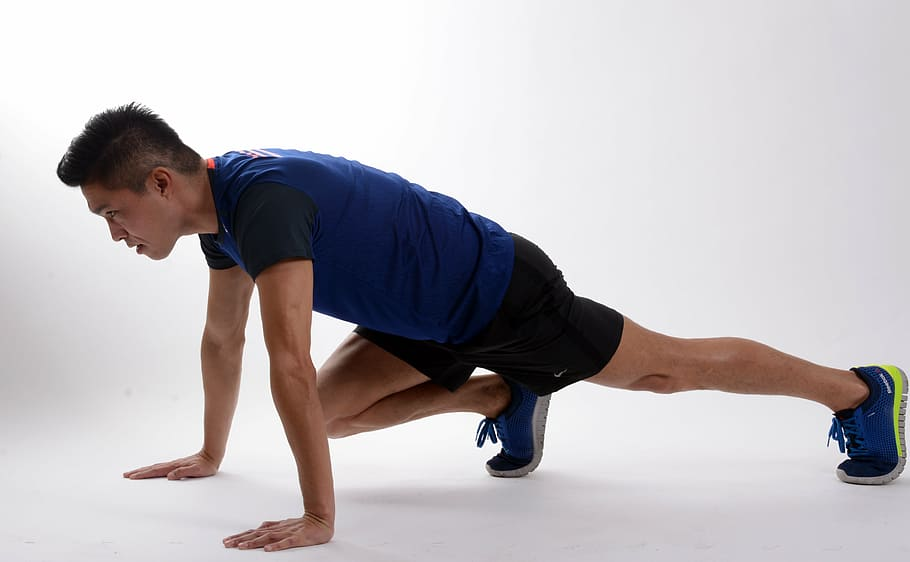 man doing Burpees for fasted cardio regime